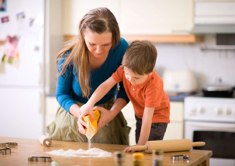 conseils pour cuisiner avec son enfant